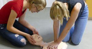 MTG-Schüler üben Leben retten